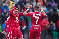 Fotball<br /> 22. April 2015<br /> Norgesmesterskapet 1. runde<br /> Kuventræ<br /> Os - Brann<br /> Jorge Alejandro Castro Salazar (L) og Kristoffer Larsen (R) , Brann jubler for seier<br /> Foto: Astrid M. Nordhaug