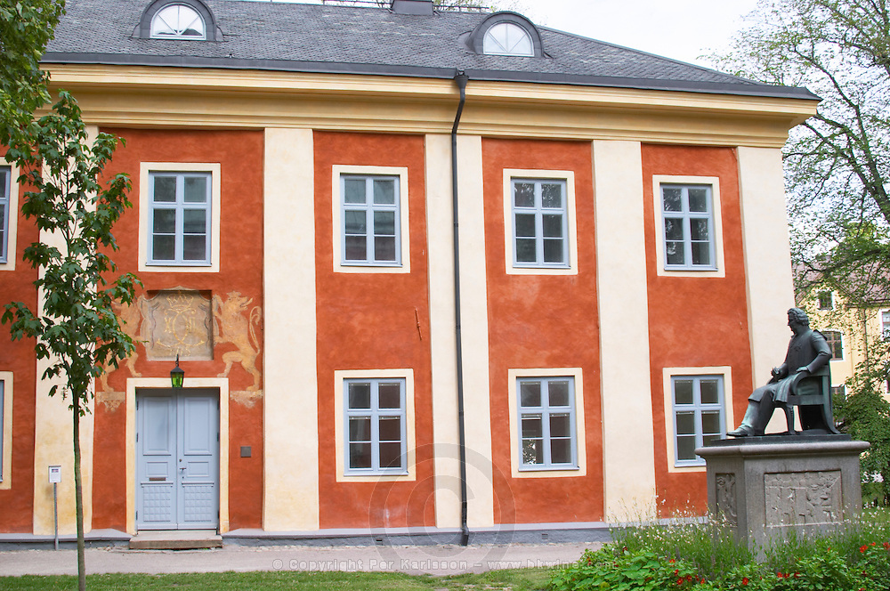 The so called Karolinerhuset, Caroliner House, old gymnasium school, where Carl Linnaeus went to school. In the Linné Linne Linnaeus park. Vaxjo town. Smaland region. Sweden, Europe.