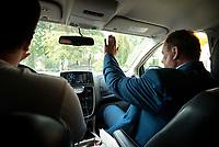 Stara Kamionka, woj. podlaskie, 08.09.2019. Kampania wyborcza posla POROZUMIENIA Mieczyslawa Baszko. Od lutego, najaktywniejszy na Podlasiu, kandydat w wyborach do Sejmu przejechal Baszkobusem kilkanascie tysiecy kilometrow, odwiedzil kilkaset miejscowosci, wzial udzial w kilkudziesiaciu festynach i dozynkach gminnych, uscisnal reke tysiacom wyborcow N/z Mieczyslaw Baszko w Baszkobusie fot Michal Kosc / AGENCJA WSCHOD