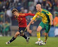 Fotball<br /> Spania v Sør Afrika<br /> Foto: Witters/Digitalsport<br /> NORWAY ONLY<br /> <br /> FOOTBALL - CONFEDERATIONS NATIONS CUP 2009 - GROUP A - 1ST ROUND - SPAIN v SOUTH AFRICA - 20/06/2009<br /> <br /> v.l. Fernando Llorente, Matthew Booth (Suedafrika)<br /> Fussball Confederations Cup 2009 in Suedafrika, Spanien - Suedafrika
