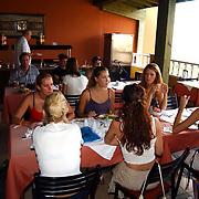 Miss Nederland 2003 reis Turkije, hotel Club Paradiso, restaurant,