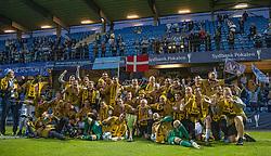 Jublende SønderjyskE-spillere efter finalen i Sydbank Pokalen mellem AaB og SønderjyskE den 1. juli 2020 i Blue Water Arena, Esbjerg (Foto Claus Birch).