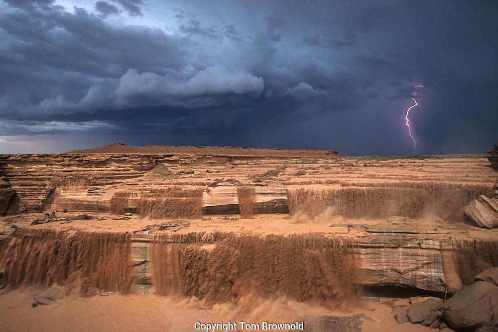 Flash flood monsoon rains over the Little Colorado River