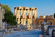 Picture of The library of Celsus. Images of the Roman ruins of Ephasus, Turkey images . Stock Picture & Photo art prints .<br /> <br /> If you prefer to buy from our ALAMY PHOTO LIBRARY  Collection visit : https://www.alamy.com/portfolio/paul-williams-funkystock/ephesus-celsus-library-turkey.html<br /> <br /> Visit our TURKEY PHOTO COLLECTIONS for more photos to download or buy as wall art prints https://funkystock.photoshelter.com/gallery-collection/3f-Pictures-of-Turkey-Turkey-Photos-Images-Fotos/C0000U.hJWkZxAbg