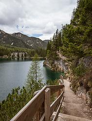 THEMENBILD - der Rundweg um den Pragser Wildsee ist ein beliebtes Ausflugsziel, aufgenommen am 11. Mai 2018, Prags, Österreich // The trail around Lake Braies is a popular destination on 2018/05/11, Prags, Austria. EXPA Pictures © 2018, PhotoCredit: EXPA/ Stefanie Oberhauser