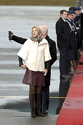 November 18, 2016 - Berlin, Germany - Kimberly Emerson, wife of the US Ambassador to Germany is pictured prior to the departure of US President Barack Obama on the side of the red carpet at Tegel airport in Berlin, Germany on November 18, 2016. (Credit Image: © Emmanuele Contini/NurPhoto via ZUMA Press)
