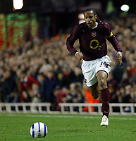 Photo: Chris Ratcliffe.<br /> Arsenal v Juventus. UEFA Champions League. Quarter-Finals. 28/03/2006.<br /> Thierry Henry on the run