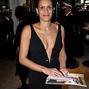 NLD/Zaandam/20081207 - Premiere Op Hoop van Zegen, Peggy Reiziger, partner Johnny Kraaijkamp