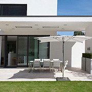 Modern Garden 384