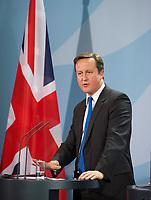 DEU, Deutschland, Germany, Berlin, 18.11.2011: <br />Bundeskanzlerin Angela Merkel (CDU) und der britische Premierminister David Cameron während einer Pressekonferenz im Bundeskanzleramt in Berlin. Merkel und Cameron trafen sich zu Gesprächen über die Eindämmung der Euro-Schuldenkrise.