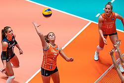 29-05-2019 NED: Volleyball Nations League Netherlands - Bulgaria, Apeldoorn<br /> Myrthe Schoot #9 of Netherlands, Juliët Lohuis #7 of Netherlands, Marrit Jasper #18 of Netherlands