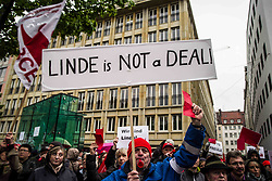 April 27, 2017 - Munich, Bayern, Germany - Employees of Munich-based, multi-national industrial gas giant Linde AG (Ling De) have launched protests and marches in numerous cities throughout Germany against the planned merger between Linde AG and US competitor Praxair (PX.n). (Credit Image: © Sachelle Babbar via ZUMA Wire)