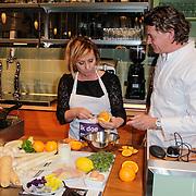 NLD/Amsterdam/20120425 - 2x2 kookwedstrijd Angela Groothuizen en Leontine Borsato,