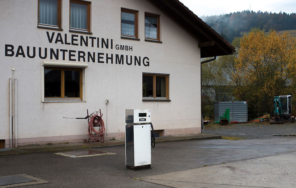 24.10.2016; Weierle, Gemeinde Bernau (D); Tankstelle an der Todtmooser Strasse<br /> (Steffen Schmidt)