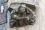 Figur an der Stiftskirche St. Waltrudis, Mons, Hennegau, Wallonie, Belgien, Europa   figure, abbey church Saint Waltrude, Mons, Hennegau, Wallonie, Belgium, Europe