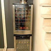 NLD/Eemnes/20060921 - Perspresentatie de Gouden Kooi, villa, wijnkoeler, wijnkoelkast