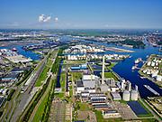 Nederland, Noord-Holland, Amsterdam, 02-09-2020; Westpoort Centrale Hemweg (ook Hemwegcentrale), oorspronkelijk een kolengestookte elektriciteitscentrale, inmiddels gesloten. In de achtergrond centrale Hemweg 9 (aardgasgestookt).<br /> Westpoort Centrale Hemweg (also Hemweg power station), originally a coal-fired power plant, now closed.<br /> luchtfoto (toeslag op standard tarieven);<br /> aerial photo (additional fee required);<br /> copyright foto/photo Siebe Swart