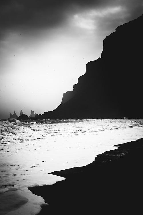 Cliffs, Vik