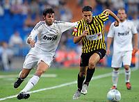 Fotball<br /> Frankrike<br /> Foto: DPPI/Digitalsport<br /> NORWAY ONLY<br /> <br /> FOOTBALL - PEACE CUP 2009 - REAL MADRID v AL ITTIHAD - 26/07/2009 <br /> <br /> HICHAM ABOUCHEROUANE (ALI) / MIGUEL TORRES (REAL)