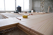 installing a solid wood parquet flooring on a cement floor