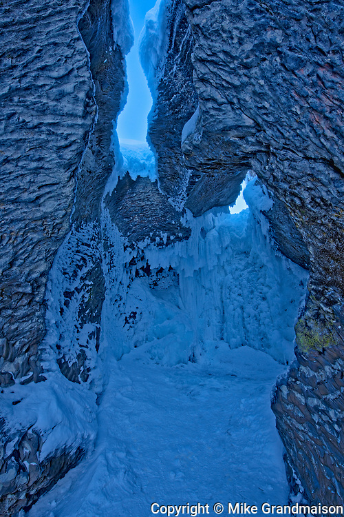 Natural Bridge in winter. Fog along river and The Canadian Rocky Mountains, Yoho National Park, British Columbia, Canada