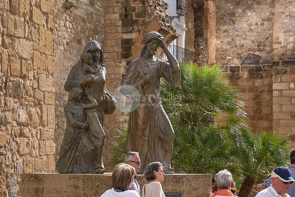 Escultura homenaje a los antiqiries. Antequera.