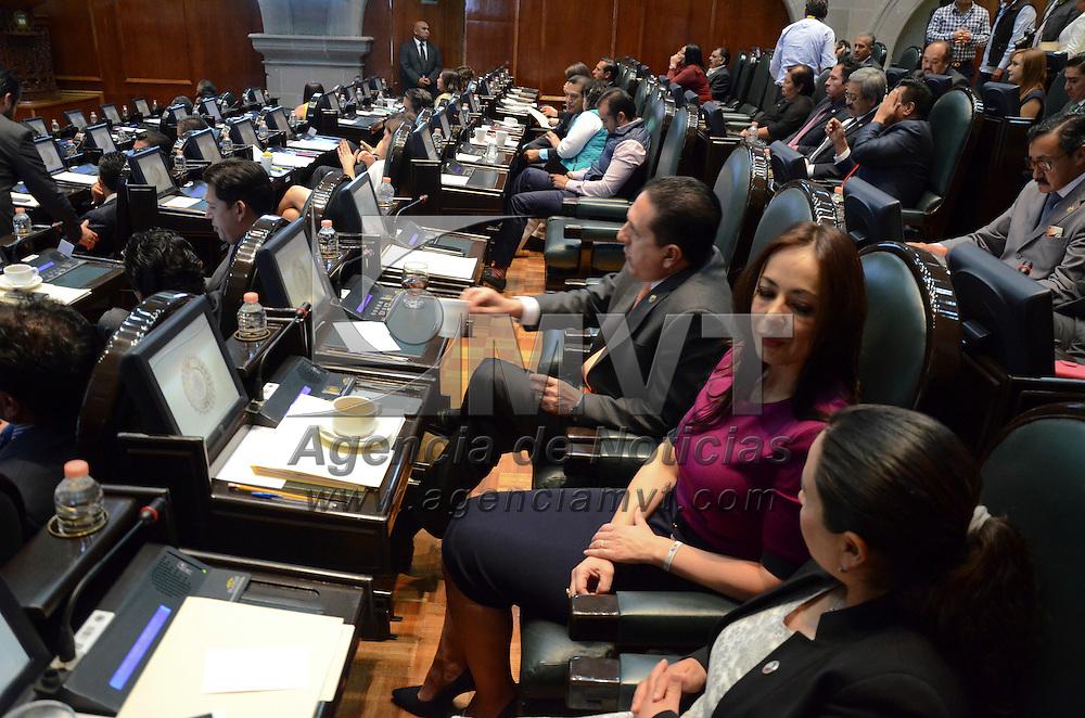Toluca, México (Abril 28, 2016).- Aspectos de la sesión de la LIX legislatura local del segundo periodo ordinario en el Estado de México. Agencia MVT / Arturo Hernández.