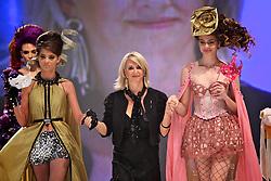 Léia Avila durante o Show Celebration, na HAIR BRASIL 2011 - 10 ª Feira Internacional de Beleza, Cabelos e Estética, que acontece de 02 a 05 de abril no Expocenter Norte, em São Paulo. FOTO: Jefferson Bernardes/Preview.com