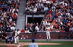 Barry Bonds hits #73, 2001