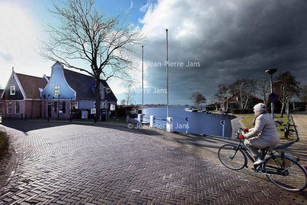 Nederland, Amsterdam , 21 februari 2013.<br /> Sfeerplaatje in de Dorpstraat van Jisp.<br /> Foto:Jean-Pierre Jans
