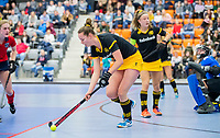ROTTERDAM  - NK Zaalhockey,   halve finale dames Laren-Den Bosch. Laren wint. Simone Hefting (Den Bosch)   COPYRIGHT KOEN SUYK