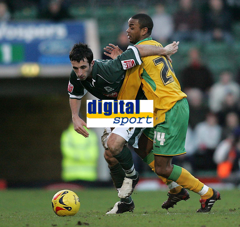 Photo: Lee Earle.<br /> Plymouth Argyle v Norwich City. Coca Cola Championship.<br /> 14/01/2006. Plymouth's Tony capaldi (L) battles with Jurgen Colin.