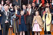 Koningsdag 2017 in Tilburg / Kingsday 2017 in Tilburg<br /> <br /> Op de foto / On the photo:  Koning Willem-Alexander, koningin Maxima en prinsessen Alexia, Ariane en Amalia // King Willem-Alexander, Queen Maxima and Princesses Alexia, Ariane and Amalia