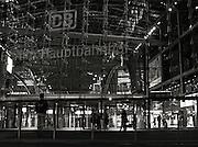 Berlin,  GERMANY.  GV's General Views of the Berlin Hauptbahnhof, Berlin Main Station. Berlin, GERMANY.Wednesday - 29/07/2009  [Mandatory Credit Peter Spurrier/ Intersport Images] Street Photos