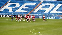 14.09.2010, estadio Santiago Bernabeu, Madrid, ESP, UEFA Champions League, Ajax Amsterdam, Trainning, im Bild Ajax Amsterdam's players during trainning session. EXPA Pictures © 2010, PhotoCredit: EXPA/ Alterphotos/ Alvaro Hernandez +++++ ATTENTION - OUT OF SPAIN / ESP +++++