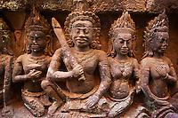 Asie du Sud Est, Cambodge, Province de Siem Reap, Angkor, complexe des temples de Angkor, Patrimoine Mondial de l'UNESCO en 1992, temple de Angkor Thom, la terrasse du Roi lepreux pres de la Terrasse des Elephants, bas relief des divinites, des apsara et des danseuses sacrees // Southeast Asia, Cambodia, Siem Reap Province, Angkor site, Unesco world heritage since 1992, Angkor Thom temple, terrace of leprous King near the terrace of the Elephants, relief sculpture of Apsara and divinity