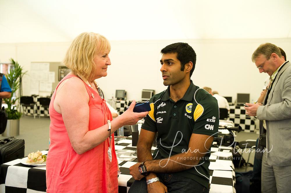 karun chandhok being interviewed by Georgie Shaw