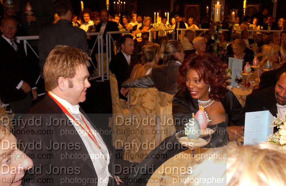 Sir Elton John and Donna Summer, Sir Elton John's White Tie and Tiara Ball. Windsor, 28 June 2003. © Copyright Photograph by Dafydd Jones 66 Stockwell Park Rd. London SW9 0DA Tel 020 7733 0108 www.dafjones.com