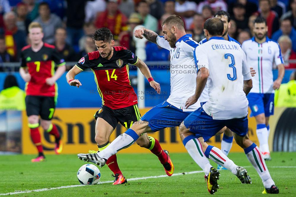13-06-2016 FRA: UEFA EURO Belgie - Italie, Lyon<br /> België verliest met 2-0 van Italie / Dries Mertens (Belgia), Daniele De Rossi <br /> <br /> ***NETHERLANDS ONLY***