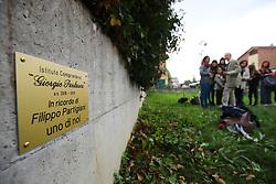 ALBERO RICORDO DEL BAMBINI FILIPPO PARTIGIANI MORTO IN INCIDENTE STRADALE ALLA SCUOLA MEDIA BONATI A FERRARA