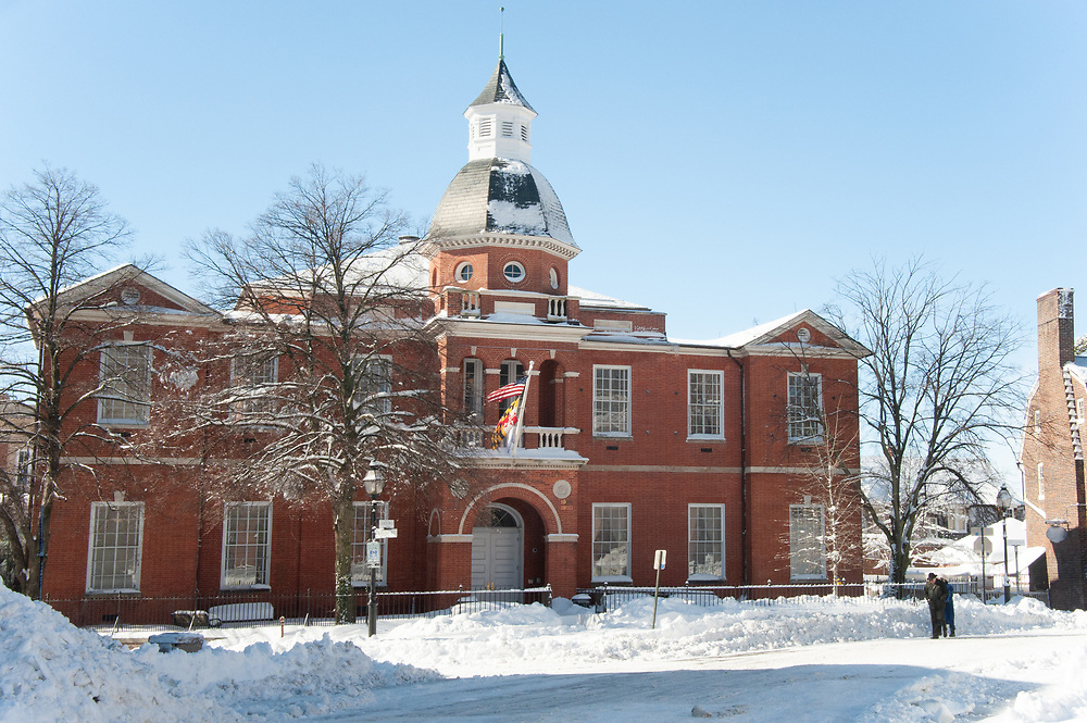 Annapolis courthouse following blizzard