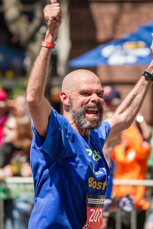 2014 Boston Marathon: triumphant runner