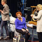 NLD//Amsterdam20160415 - Persdag toneelstuk In de Ban van Broadway, Loes Luca en Leny Bredderveld
