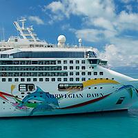 Norwegian Dawn Cruiseship of Norwegian Cruiseline.