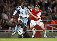 Photo: Richard Lane/Sportsbeat Images.<br />Arsenal v Newcastle United. Carling Cup. 25/09/2007. <br />Arsenal's Nicklas Bendtner breaks past Newcastle's Shola Ameobi.