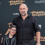 NL/Utrecht/20200701 - Premiere DE PIRATEN VAN HIERNAAST, Loek Peters en dochter