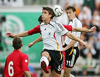 Fotball<br /> Treningskamp foran VM 2006<br /> Tyskland v Luxemburg 6-0<br /> Foto: Witters/Digitalsport<br /> NORWAY ONLY<br /> <br /> v.l. Sebastian Kehl Deutschland, Tim Heinz<br /> Testspiel Deutschland - Luxemburg