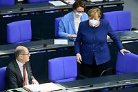 08 DEC 2020, BERLIN/GERMANY:<br /> Angela Merkel (L), CDU, Bundeskanzlerin, und Olaf Scholz, MdB, SPD, Bundesfinanzminister, mit Mundschutz, im Gespraech, Haushaltsdebatte, Plenum, Reichstagsgebaeude, Deuscher Bundestag<br /> IMAGE: 20201208-02-041<br /> KEYWORDS: Mund-Nase-Schutz, Gespräch, Corona, Corvid-19