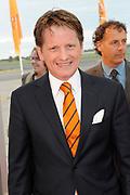 Premiere nieuwe cast Soldaat van Oranje<br /> Caption op het voormalige vliegveld Valkenburg in Katwijk. De musical blijft hier nog tot en met januari 2012 te zien in de TheaterHangaar. <br /> <br /> Op de foto:<br /> <br />  Prins Pieter-Christiaan van Vollenhoven