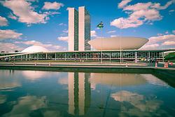 Congresso Nacional - sede do Poder Legislativo. As cúpulas representam o Senado Federal e a Câmara dos Deputados foi um  projeto de Oscar Niemeyer. FOTO: Jefferson Bernardes/ Agência Preview